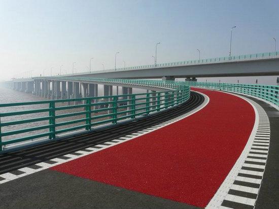 大连某桥面彩色路面建设